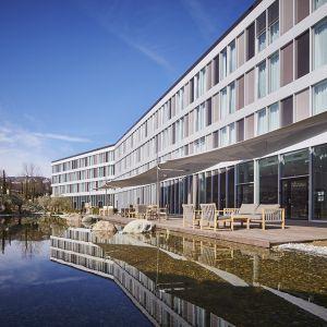 http://moderntimes-hotel.ch/application/files/thumbnails/thumb_list_2x/5214/5855/7650/cote_jardin.jpg
